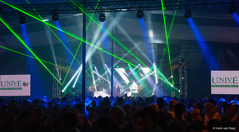 Q5 New Style band coverband muziek performers lichtshow ledwall muziek publiek podium lasers boeken buchen hire book
